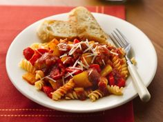 Slow Cooker Italian Sausages and Peppers with Rotini