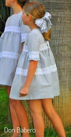 Vestido Laura – Don Babero Supernatural Sty Little Dresses, Little Girl Dresses, Cute Dresses, Girls Dresses, Flower Girl Dresses, Little Girl Fashion, Kids Fashion, Mode Rose, Fashion Mode