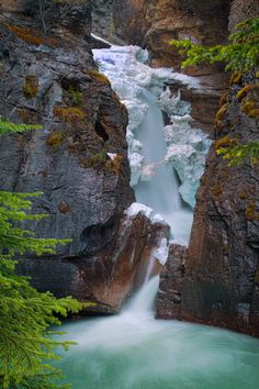 Johnston Canyon Lower Falls by Jerry Patterson on 500px