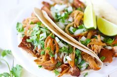 My favorite recipes for easy slow cooker taco recipes. Chicken taco recipes, carnitas taco recipes and slow cooker shredded beef taco recipes Slow Cooker Carnitas, Slow Cooker Salsa, Slow Cooker Huhn, Slow Cooker Apples, Best Slow Cooker, Crock Pot Slow Cooker, Slow Cooker Recipes, Cooking Recipes, Carnitas Tacos