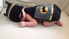 Hey, I found this really awesome Etsy listing at https://www.etsy.com/listing/197043129/batman-pattern-in-pdf-tutorial-file