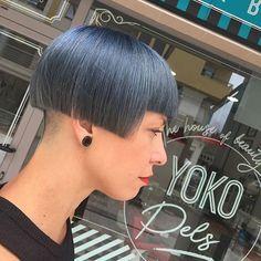 Side Cut Hairstyles, Stacked Bob Hairstyles, Girl Hairstyles, Short Bob Cuts, Short Bob Haircuts, Cool Haircuts, Nape Undercut Designs, Undercut Women, Undercut Pattern