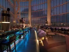 Surplombant Abu Dhabi, le Rocco Forte Hotel est l'un des hôtels les plus luxueux de la ville. Construit avec du verre incurvé, les...