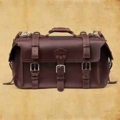 The Saddleback Leather Waterbag is a sleek & classic leather duffel bag built in a way only Saddleback can do. Leather Suitcase, Leather Luggage, Leather Briefcase, Saddleback Leather, Tennis Bags, Leather Men, Leather Bags, Duffel Bag, So Little Time