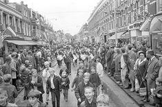 Feest in de gezellige Noordmolenstraat en daar hoorde muziek bij..:) 1968.