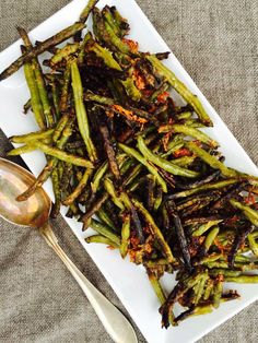 Food and Drink on Share Sunday Crispy Green Beans, Fried Green Beans, Food N, Food And Drink, I Love Food, Good Food, Healthy Snacks, Healthy Eating, Vegetarian Recipes