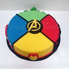 Súper torta de Avengers 🎂😋 Flash Birthday Cake, Flash Cake, Avengers Birthday Cakes, Superhero Birthday Party, 1st Birthday Girls, Boy Birthday Parties, Avenger Cupcakes, Avenger Cake, Birthday Party Checklist