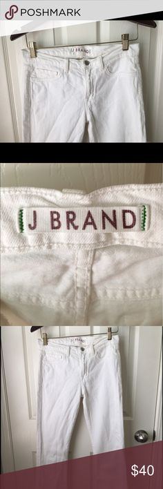 J. Brand 'Martini' Skinny Flare Jeans Size 27 Crisp and ready for summer! J Brand Martini Skinny Flare Jeans, pre worn in great condition. Size 27! J Brand Jeans Flare & Wide Leg