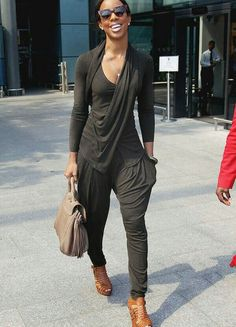 Kelly Rowland drapey look Plus Style Casual, Casual Chic, Casual Looks, Casual Wear, My Style, Comfy Casual, Passion For Fashion, Love Fashion, Autumn Fashion
