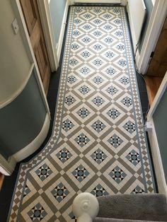 Your hallway should be able to deal with numerous tasks. He too will be no exception, with plenty of choice to showcase your own personal style and cr. - Cozy Victorian Small Hallway Floor Ideas - pinupi love to share Victorian Hallway Tiles, Victorian Mosaic Tile, Tiled Hallway, 1930s Hallway, Edwardian Hallway, Modern Hallway, Victorian Flooring, Upstairs Hallway, Entry Hallway