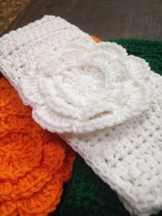 Ladies  ear warmer via She's Crafty. In this frigid weather we want to keep you warm!!!