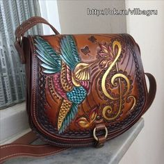 Leather Carving, Leather Art, Leather Tooling, Leather Purses, Leather Handbags, Leather Bags Handmade, Handmade Bags, Leather Projects, Leather Accessories
