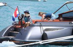 Dutch Royalty, Queen Maxima, Travel Abroad, Royals, Meet, Bikinis, Style, Fashion, Holland