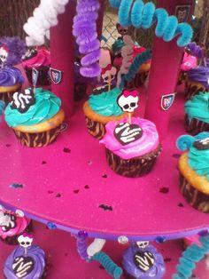 Monster High birthday party - cute cupcake display brianna 7th. birthday   CatchMyParty.com