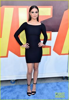bella thorne maia mitchell mtv movie awards 2015 07 Bella Thorne is beautiful in blue on the carpet at the 2015 MTV Movie Awards held at the Nokia Theatre on Sunday (April 12) in Los Angeles.    The 17-year-old actress…