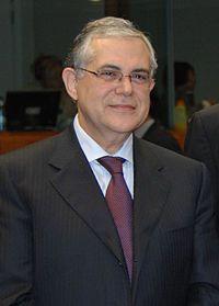 Lucas Papademos, ex presidente do BCE, aceitou o pais ser monitarado pelo FMI, substituiu Papandreou