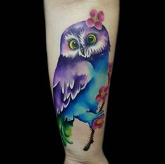 Today we're going to step again into the world of animal tattoos bringing you 50 of the most beautiful owl tattoo designs, explaining their meaning. Baby Owl Tattoos, Cute Owl Tattoo, Owl Tattoo Small, Animal Tattoos, Tattoo Owl, Watercolor Owl Tattoos, Owl Watercolor, Owl Tattoo Design, Tattoo Designs