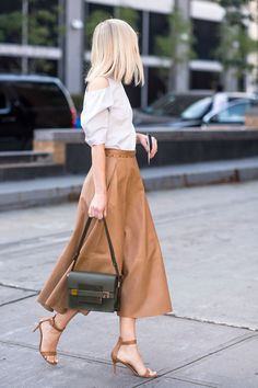 We're loving these 22 summer work-appropriate shoes! Mode Style, Style Me, Rocker, Summer Work, Street Style Looks, Look Chic, Mode Inspiration, Street Chic, Street Wear