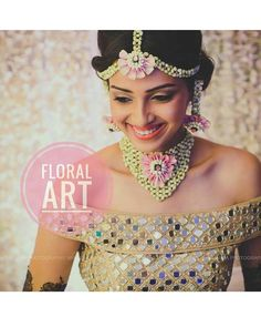 Floral jewellery- whether fresh or dry (yes, that's a new thing too) looks very nice for the Mehendi when done right. Indian Wedding Gowns, Indian Wedding Jewelry, Indian Bridal, Bridal Jewelry, Flower Jewellery For Haldi, Flower Jewelry, Haldi Ceremony, Wedding Bride, Wedding Hair