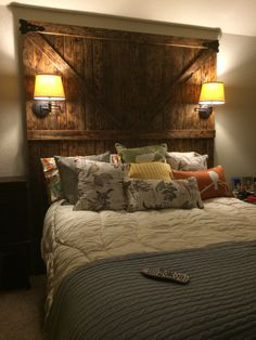 Trying To Find DIY Headboard Ideas? There are so many inexpensive methods to create a distinct one-of-a-kind headboard. We share a couple of great DIY headboard ideas, to influence you to style your bed room elegant or rustic, whichever you favor. Diy Home Decor Bedroom, Bedroom Wall, Bedroom Furniture, Bedroom Ideas, Diy Headboards, Headboard Ideas, Barn Door Headboards, Western Headboard, Master Bedroom Makeover