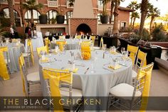 Table Décor, yellow and grey