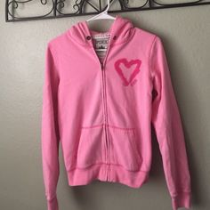 Sale Victoria's Secret Pink Hoodie Victoria's Secret Pink hoodie size S Victoria's Secret Sweaters