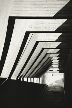 Architecture / Black and White Photography Architecture Ombre, Shadow Architecture, Concrete Architecture, Space Architecture, Architecture Details, Shadow Photography, Art Photography, Brutalist, Light And Shadow