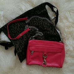 Rebecca Minkoff Mini Mac Clutch A Rebecca Minkoff classic. Fuschia with silver hardware only used a handful of times and in great condition. Comes with duster bag that matches the inside lining. Rebecca Minkoff Bags Shoulder Bags