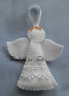 White Felt Angel Ornament Set of 2 by TwirlinginTulle on Etsy,com - Wendy Schultz ~ Christmas Crafts. Angel Crafts, Christmas Projects, Felt Crafts, Holiday Crafts, Christmas Angel Ornaments, Felt Christmas Decorations, Felt Ornaments, Birthday Decorations, Christmas Sewing