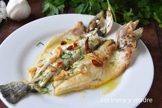 Spanish Kitchen, Spanish Food, Fish Recipes, Healthy Recipes, Fish Dishes, Fish And Seafood, Tapas, Healthy Lifestyle, Food And Drink