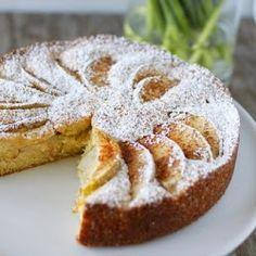 Smiths in the Kitchen: Norwegian Apple Cake
