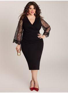 Vestido negro entallado con mangas de encaje para disimular unos kilitos de más :)