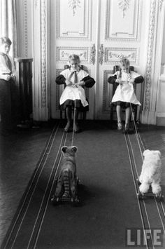 "lostsplendor: "" Leningrad, 1959 by Howard Sochurek (via Nice To Live in a Soviet Country! Life Magazine, Magazine Photos, Pull Along Toys, Soviet Union, First World, Old Photos, Amazing Photography, Real Life, Baby Strollers"