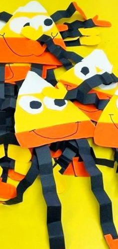 Fall Crafts For Kids of All Ages (2021 ) Easy Fall Crafts & Art Projects for Kids to Make