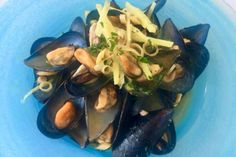 Mussels with mint, ginger and lemongrass. Mussels, Fish Dishes, Lemon Grass, Asparagus, Seafood, Mint, Restaurant, Dining, Vegetables