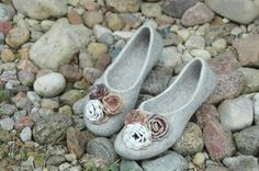 FELTED SLIPPERS with decoration of crocheted flowers by jurgaZa