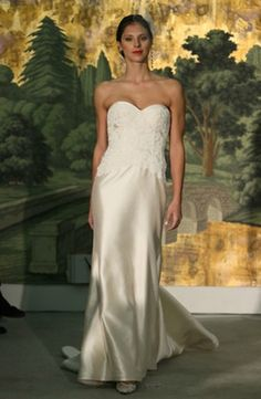 Anne Barge - Sweetheart Sheath Gown in Alencon Lace