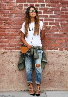 Ripped boyfriend jeans and Valentino Rockstud pumps for spring style