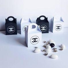 Candy Box. Favor Mini Box Black and White. Party Box. Set of 5