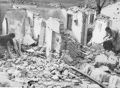 Spain - 1937. - GC - Imagen de los efectos de bombardeos en Vallecas World War Two, Civilization, Madrid, Spanish, Abstract, Artwork, Photography, Painting, War
