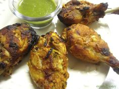 An indian favourite Indian Food Recipes, Asian Recipes, New Recipes, Ethnic Recipes, Tandori Chicken, Chaat Masala, I Want To Eat, Cheese Cloth, Marinated Chicken