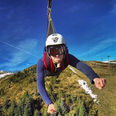 20 Epic Selfie Stick Shots to Inspire the Explorer in You via Brit + Co Pure Fun, Wtf Face, Epic Photos, Selfie Stick, Amazing Adventures, Best Day Ever, White Elephant Gifts, Some Pictures, Nice View