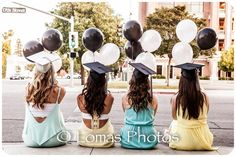 Such a cute graduation picture idea