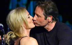 David Duchovny and Gillian Anderson kiss and sing in a surprise X-Files reunion   EW.com