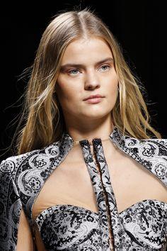 Balmain Fall 2016 Ready-to-Wear Accessories Photos - Vogue