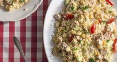 Chicken Couscous and Chickpea Salad! Try this amazing, mouth watering recipe! Perfect for light dinner. Chicken Couscous, Clean Eating, Healthy Eating, Chickpea Salad, Fried Rice, Side Dishes, Salads, Dinner, Ethnic Recipes