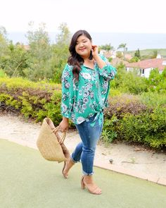 Love this Stitch Fix plus size floral top styled for summer! Plus Size Looks, Plus Size Summer, What I Wore, Stitch Fix, Plus Size Fashion, Floral Tops, Curvy, Fashion Looks, Spring Summer