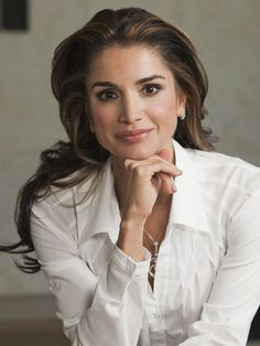 Queen Rania of Jordan media gallery on Coolspotters. See photos, videos, and links of Queen Rania of Jordan. Business Portrait, Corporate Portrait, Business Headshots, Corporate Headshots, Business Photos, Professional Headshots Women, Professional Portrait, Professional Profile Pictures, Foto Cv