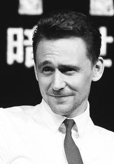 Tom Hiddleston. Via hiddle-stoner.tumblr.com