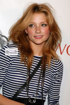Resultados de la Búsqueda de imágenes de Google de http://www.teenidols4you.com/blink/Actors/haley_bennett/haley_bennett_1306429849.jpg